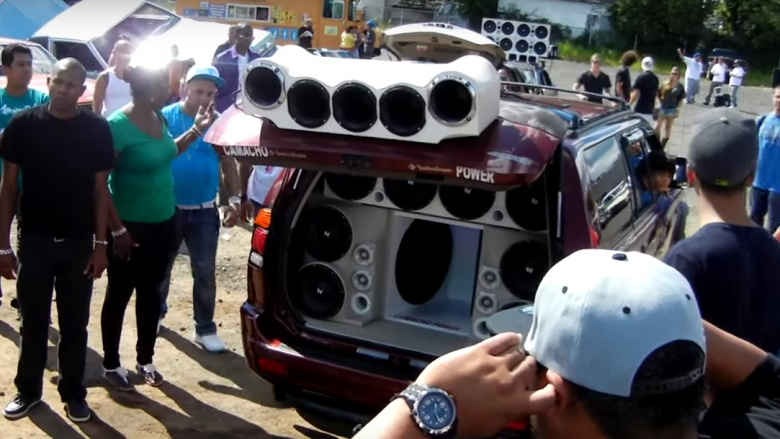 http://img3.looper.com/img/gallery/the-worst-amateur-car-customizations/super-stereo.jpg
