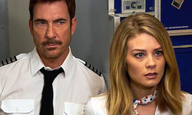 LA to Vegas Kim Matula as Ronnie Messing and Dylan McDermott as Captain Dave Pratman