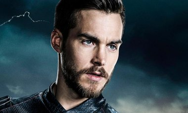 Supergirl Mon-El Chris Wood