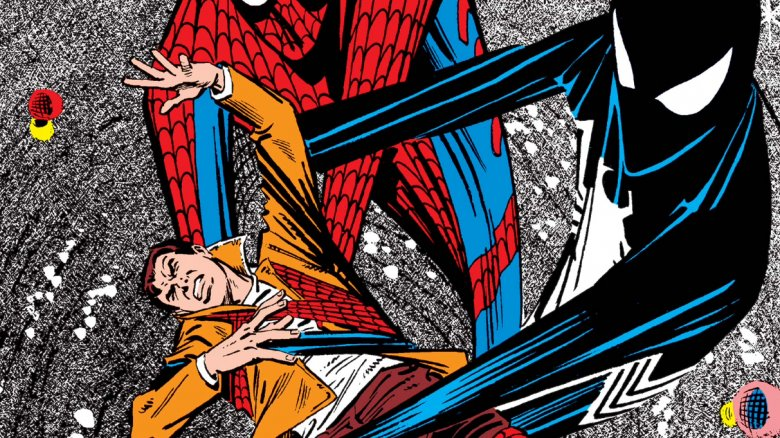 Spider-Man's original suit and the black suit fighting over him on the cover of 1984's Amazing Spider-Man #258