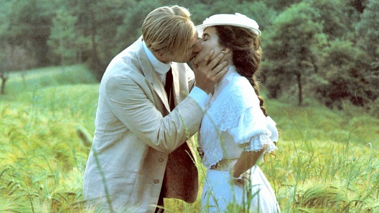 Julian Sands kissing Helena Bonham Carter in A Room With A View