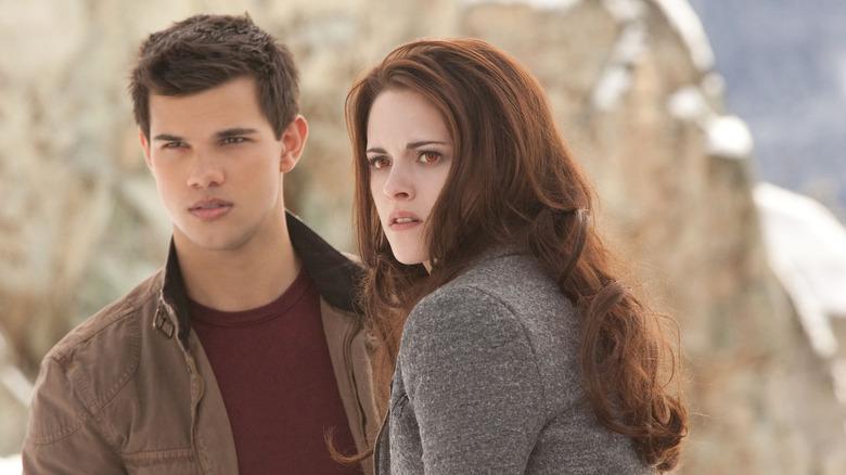 Taylor Lautner and Kristen Stewart in Twilight