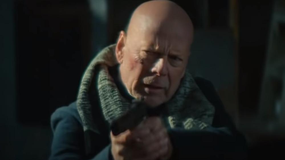 O FRACASSO de Bruce Willis que está desafiando todas as probabilidades e acabando com ele no Netflix 2