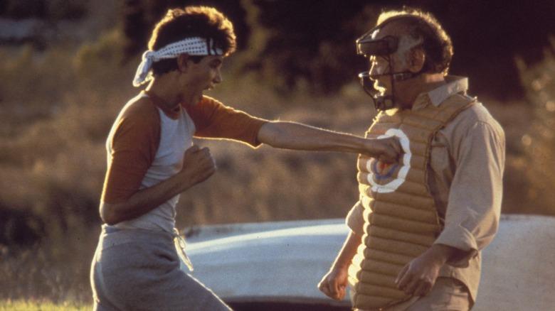 O Sr. Miyagi da vida real estava em The Karate Kid e você nunca percebeu 1