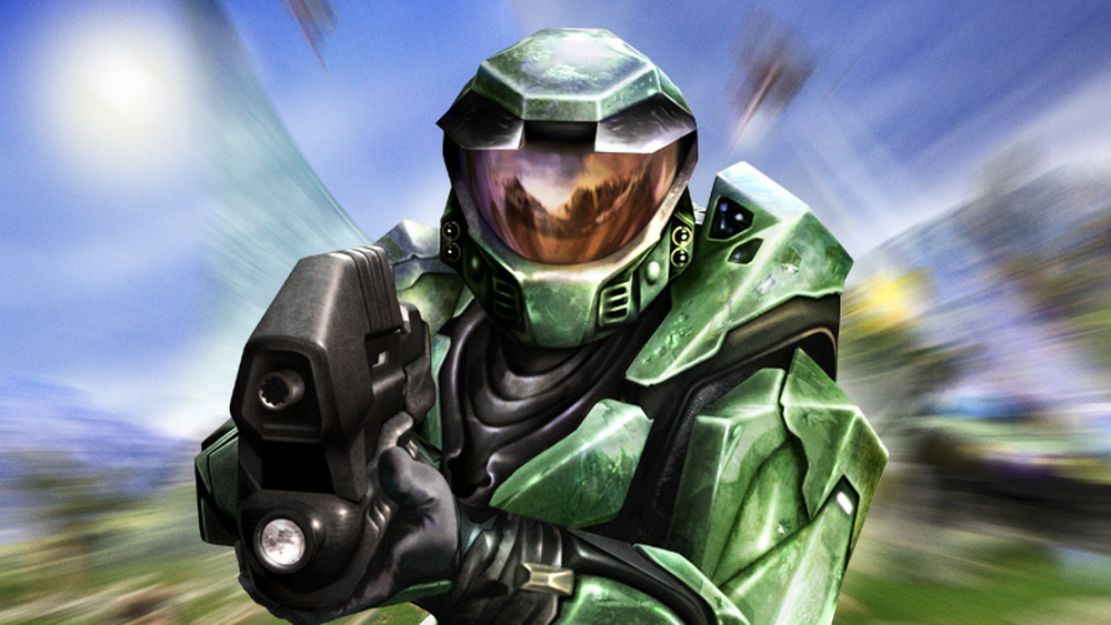 Master Chief raises gun